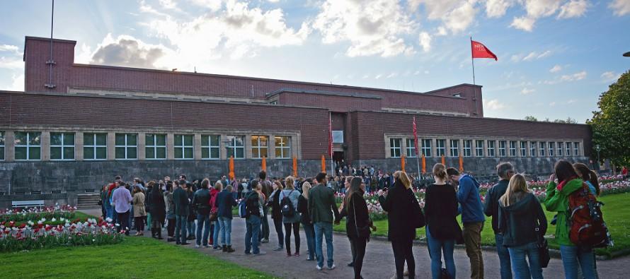 Noch bis 21. August: Fotografien von Ralf Brueck im NRW Forum